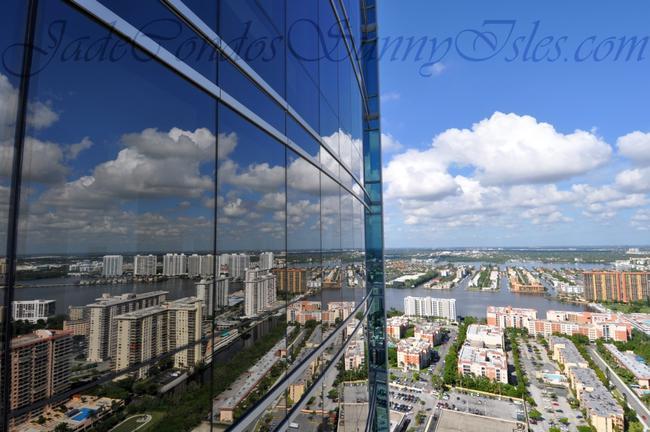 Jade Ocean walls of glass image